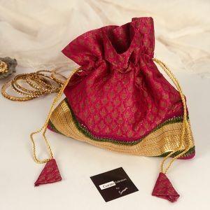 Handbags - 💥NEW💥 Silk Brocade and sequin embellished Bag